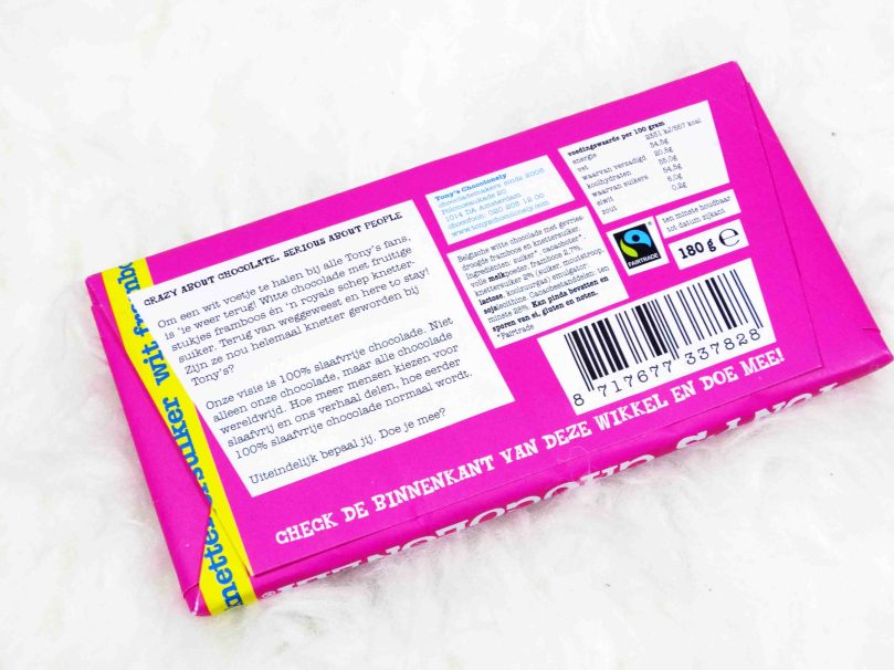 daisieskitchen.com, tony's chocolonely, limited edition, wit framboos knettersuiker, witte chocola, witte chocolade, chocoladereep, knettersuiker, knetters, vroeger, 90s kids, framboos, fruit, review, testen, eten, food, foodie, foodblog, foodblogger, snack, tussendoor, notsohealthy, cheat, cheating, cheatmeal